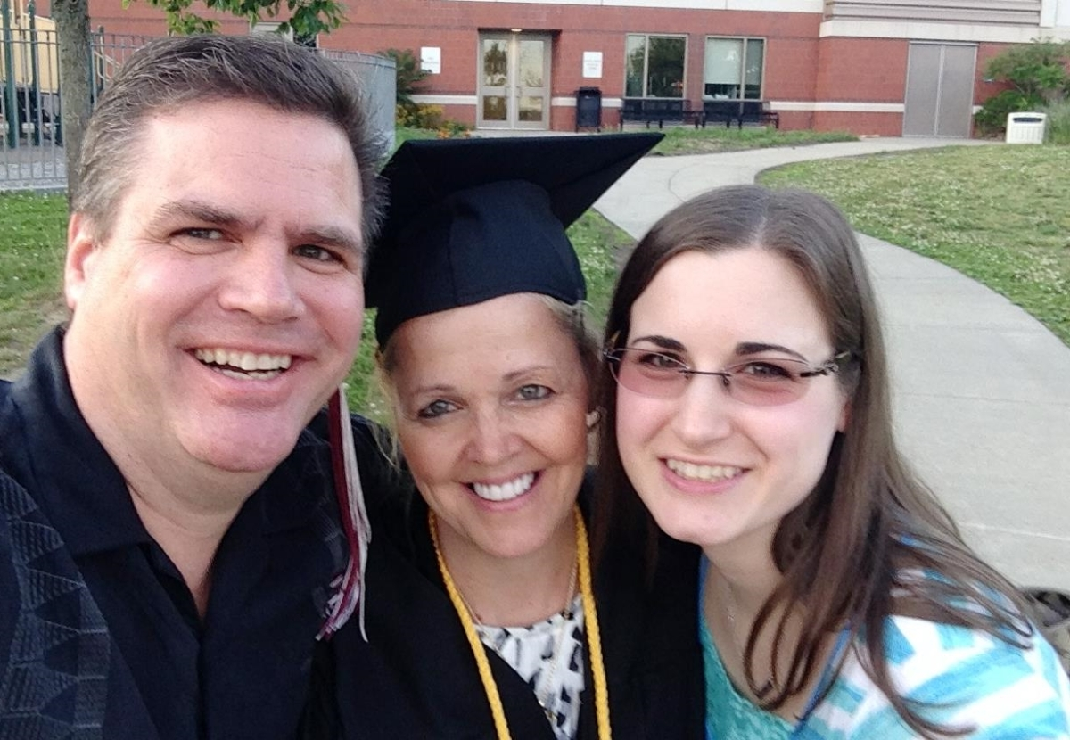 LYNN GRADUATES SALTER COLLEGE WITH HIGH HONORS!