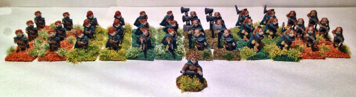 """Minifig Halfling Battalion (World of Greyhawk 42 """"Halfling Fighters"""", with Grenadier Halfling Leader (Grenadier2002C)"""