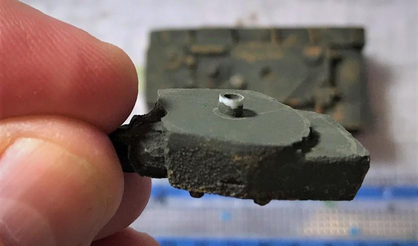 3 magnet turret KV1a