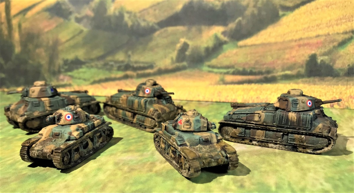 """Happy Tanksgiving!  2 Soviet, 5 French, and 5 German tanks get off the November painting table for """"What A Tanker""""games"""