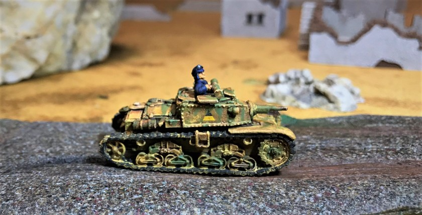 11 Semovente 75-18 Carro commando right side shot