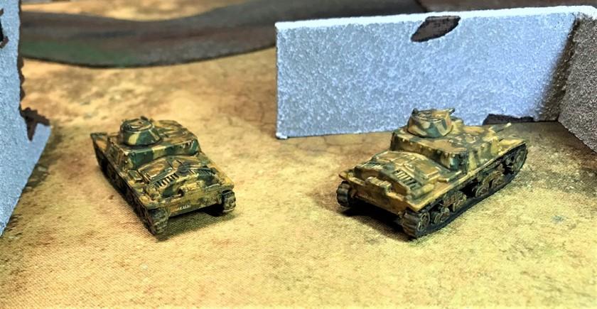 4 backs of Italian M11 39