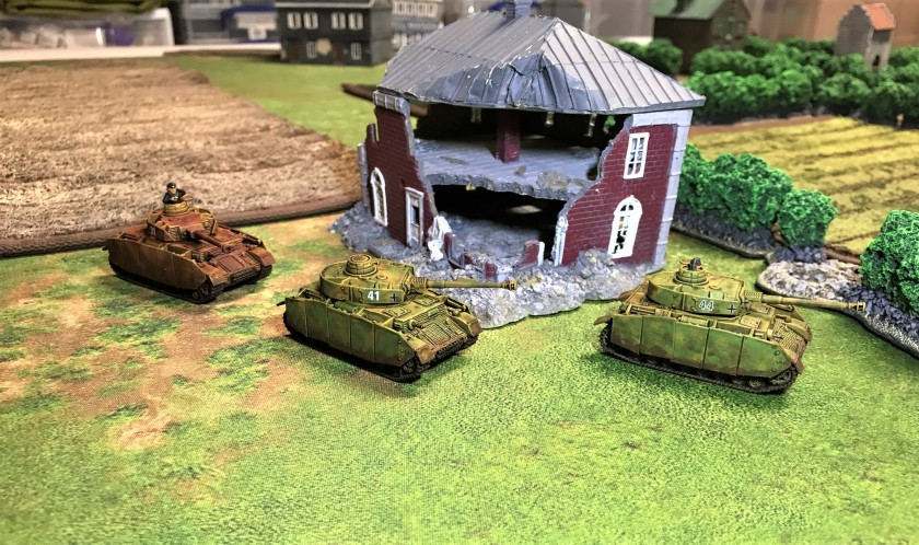 3 all 3 Panzer IV H's