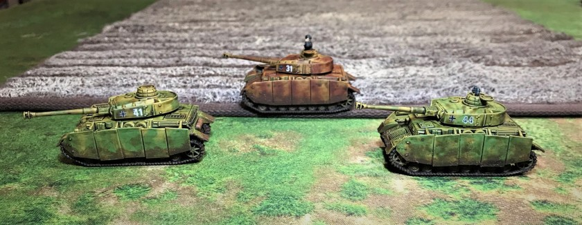 5 all 3 Panzer IV H's by a wheat field