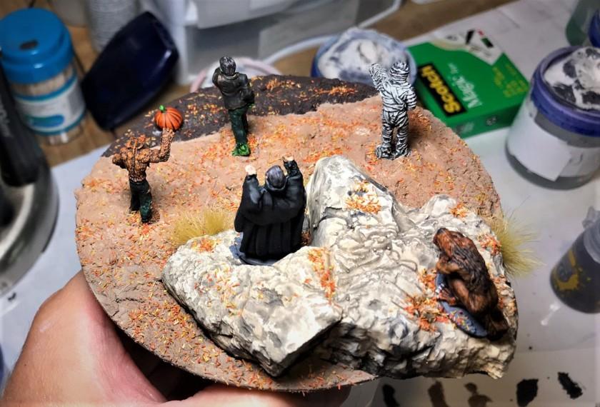 9 figures mounted, rear side