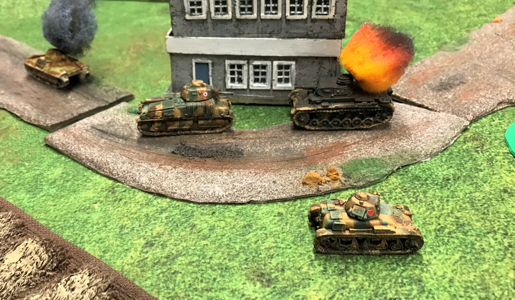 20 R35 avenges the FCM 36 after SOMUA misses
