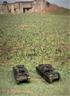 Both Panzer 38(t) models, front.